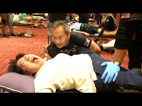 Hip Problem.She pain to painless CLM Tit Tar treatment done by Master Chris Leong.😘❤️❤🌍👍🏼💯💪🙏😘👌🏻❤🇲🇾
