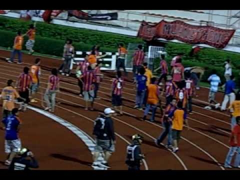 Muang Thong United vs Thai Port FC crowd riot