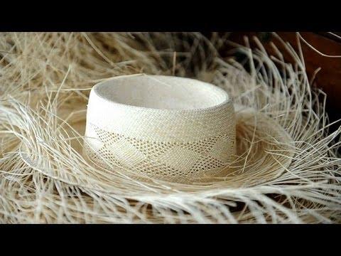 21d07eb9b4f0a Sombreros de paja toquilla en Ecuador - YouTube