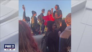Florida high school students arrested during protest of principal over new tardiness rules