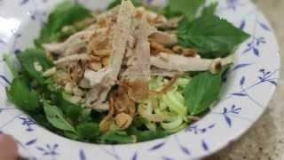 Zucchini Noodle Chicken Salad (phở Bí Ngòi Trộn Thịt Gà)