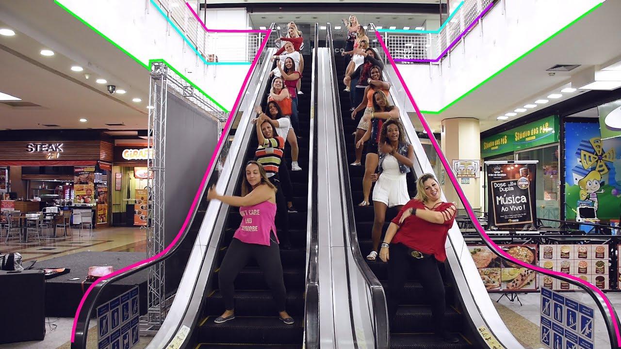Dançarino realiza Flash MOB de paradinha em shopping Center no RJ