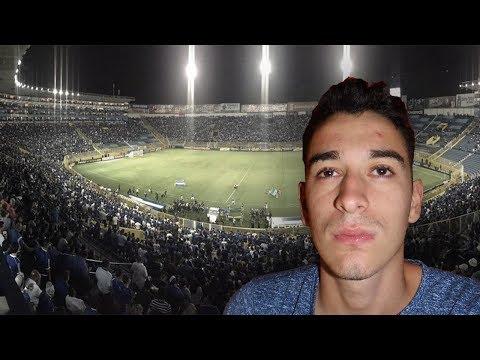 [REACCIÓN ARGENTINA] HIMNO DE EL SALVADOR - ESTADIO CUSCATLÁN