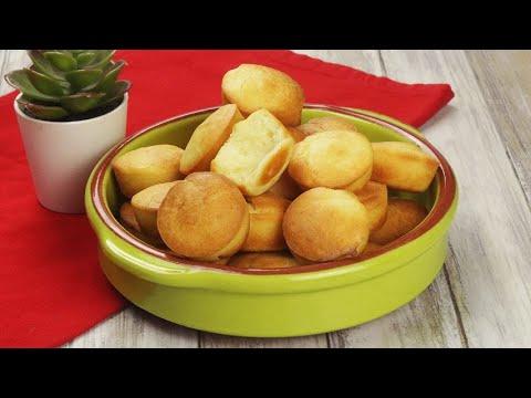 P o de queijo the Brazilian recipe for cheese buns ready in oven