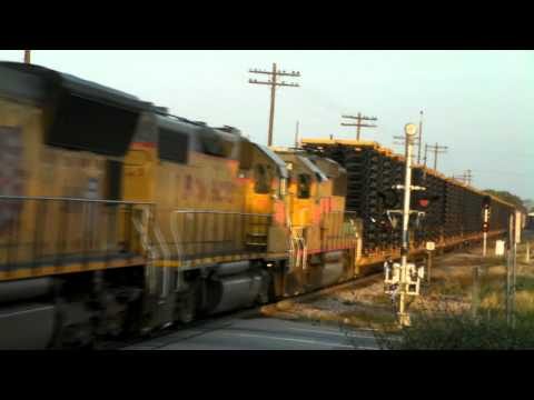 BNSF 5322 leading a UP train in Terrell, Tx. 10/27/2010 ©
