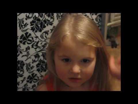Как подстричь челку девочке