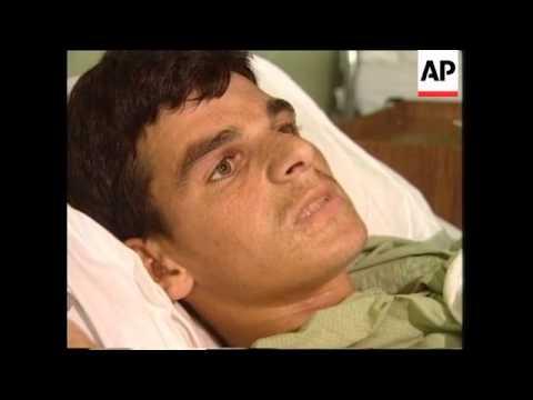 YUGOSLAVIA: KOSOVO: PRISTINA: REFUGEES ATTEND HOSPITALS