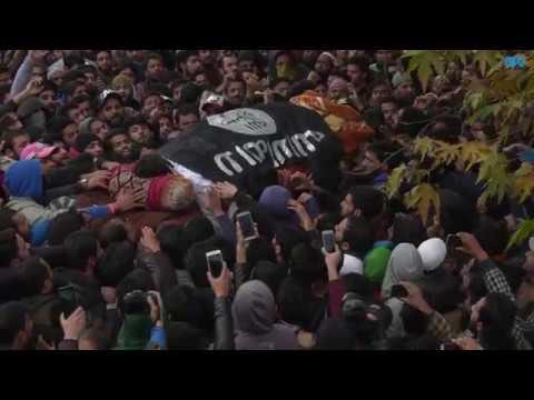 Braving rains, thousands attend funeral prayers of slain militant in Srinagar