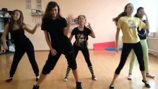 Я,Алена,Карина,Лера и Алиса -  чумачечая весна)