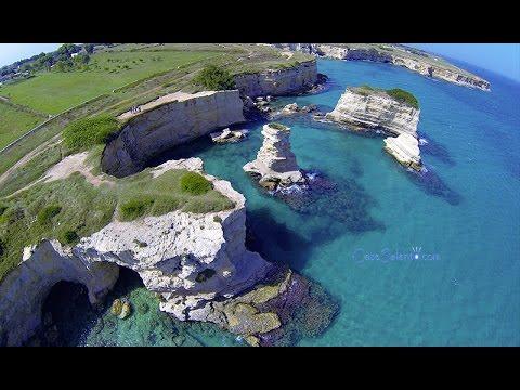 Sant'Andrea Mare, faraglioni, costa (con drone)