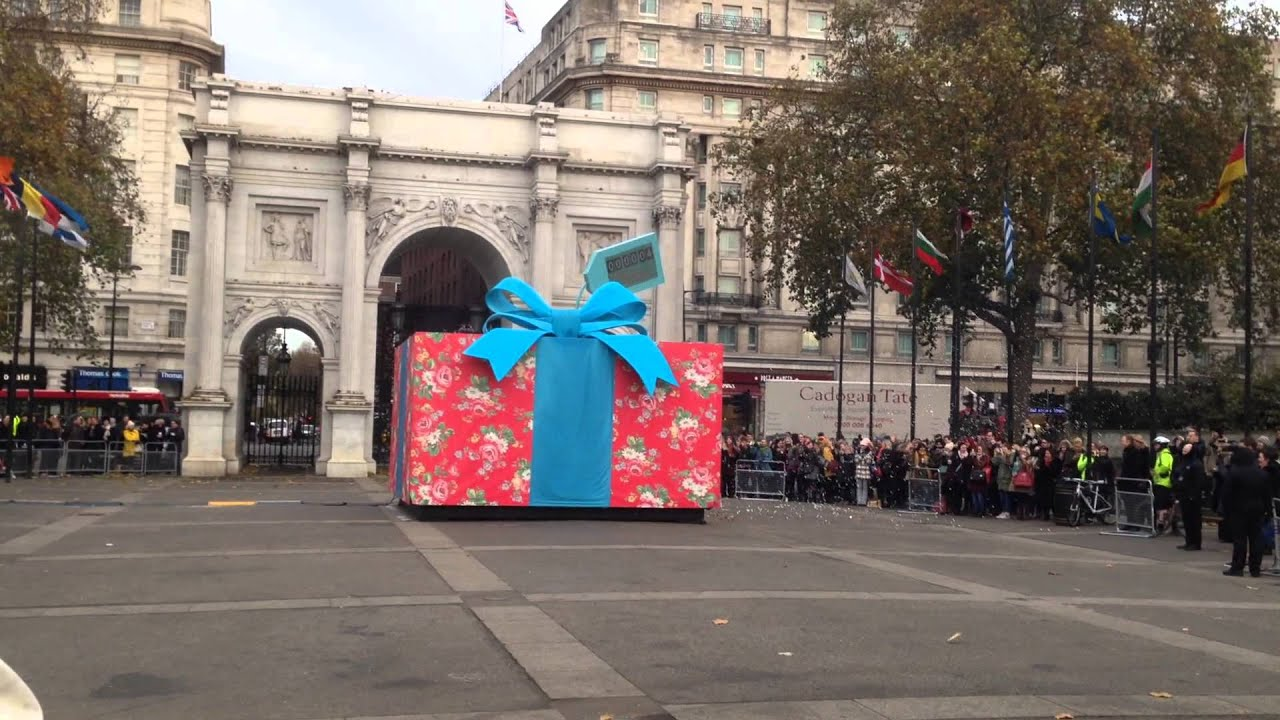 Giant christmas gift box images