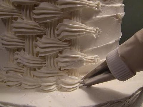 Decorating A Cake With Icing Sugar