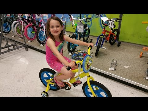 Thumbnail: Spongebob vs Hello Kitty Bike Race at Toys R Us with Drifting
