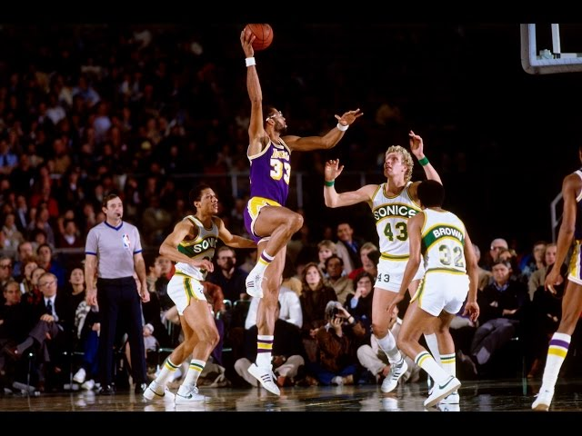 3ae6da3b2 LOOK  Retired jersey numbers in Lakers history