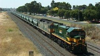 Rebuilt EMD - First run of XR locomotive in 2002: Australian Trains
