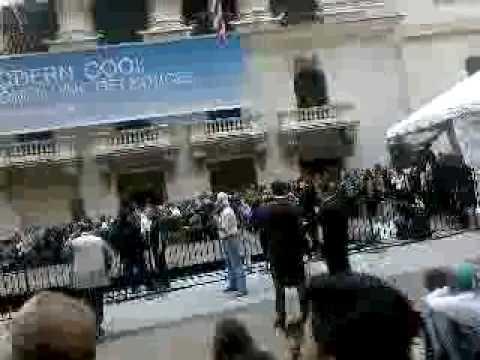 Tourist Season Begins on Wall Street!