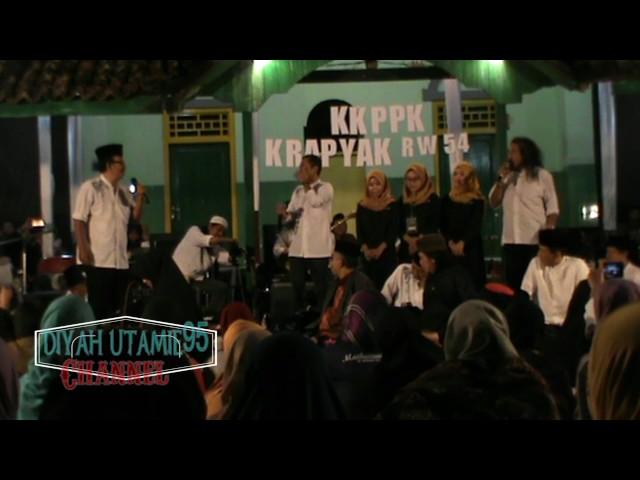 Maiyah Bareng Cak Nun & Kiai Kanjeng - Balai Desa Krapyak Wedomartani 6 Agustu 2017 part 04