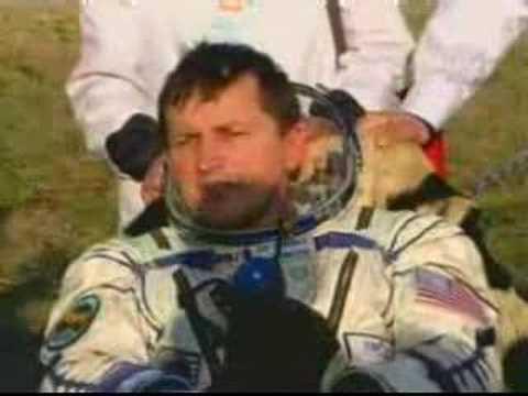 Soyuz Expedition 14 & Simonyi return to earth