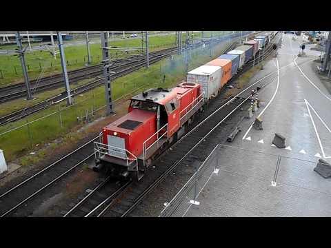 DB Schenker 6435 + Basel shuttle bij het Rail Service Centre Rotterdam