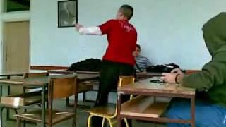 Voznja autobusa na casu kod brke :) ( Vladimirci Skola )