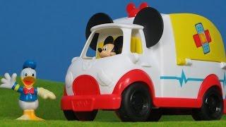 Micky Maus Wunderhaus Krankenwagen Spielzeugauto mit Donald für Kinder | Disney Unboxing deutsch