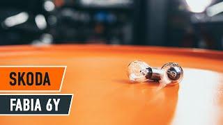 Hur och när byter man Glödlampa Baklykta SKODA FABIA Combi (6Y5): videohandledning