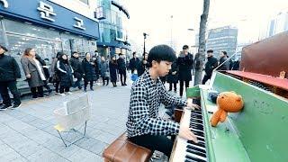 이 남학생의 신들린 명탐정 코난 피아노 연주 ㄷㄷ 사람 모이는거 보세요(투보 X)