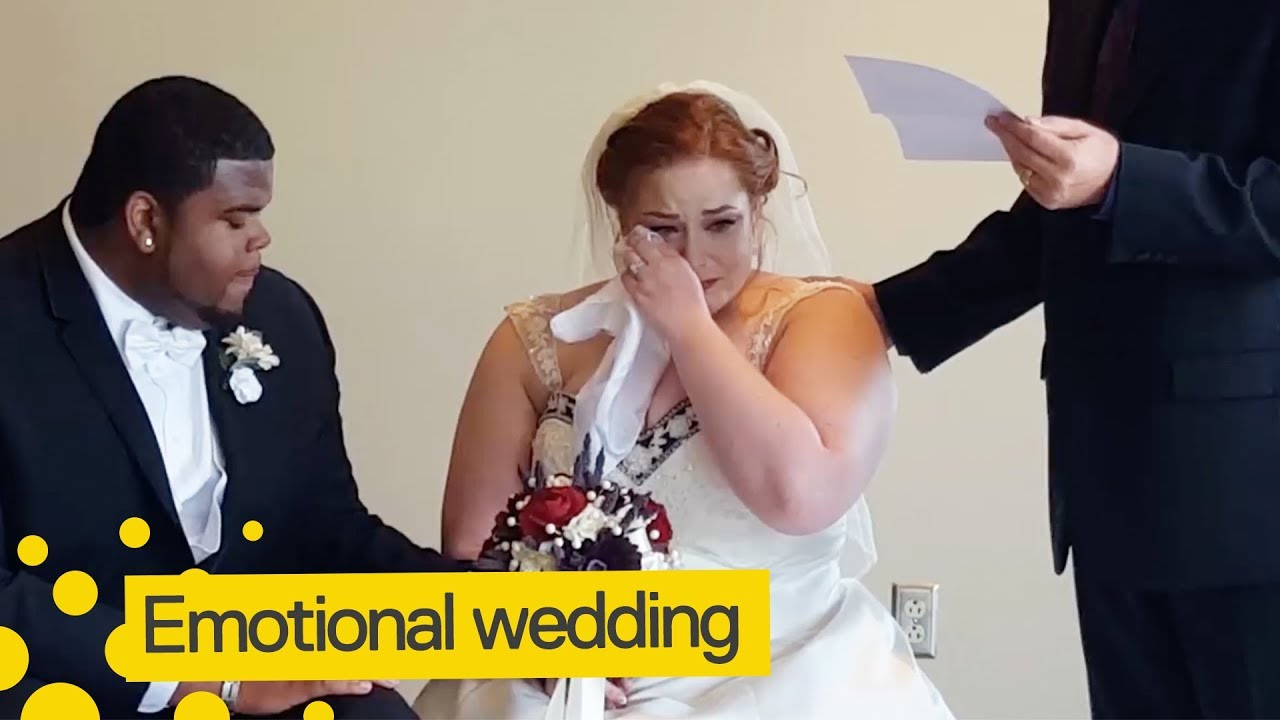 bride cries as late fathers letter is read on wedding day