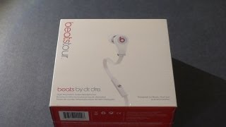 2013 Beats Tour in WHITE Unboxing(, 2013-07-17T15:55:22.000Z)