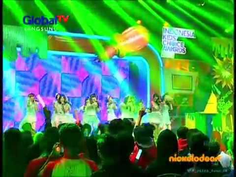 JKT48 - Pareo adalah Emerald Indonesia kids choice awards 2015 Live Global TV