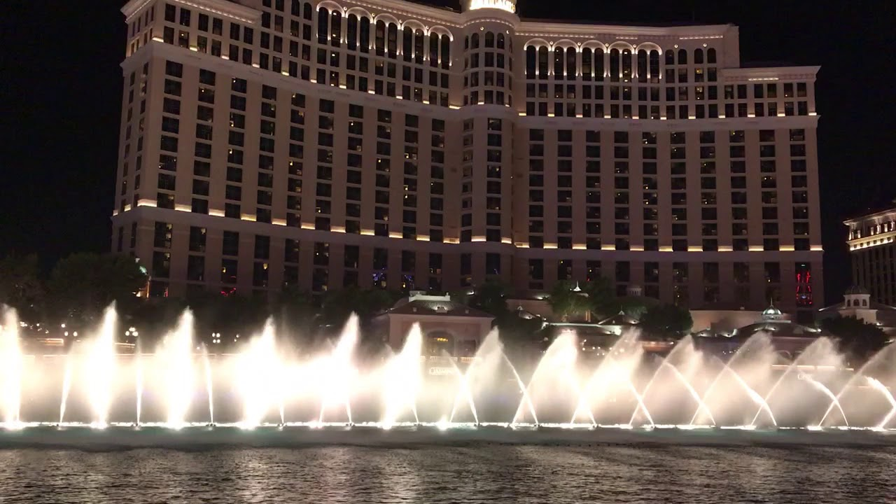 """Mesmerizingly Beautiful!  """"My Heart Will Go On"""" by Celine Dion.  Fountains of Bellagio, Las Vegas."""