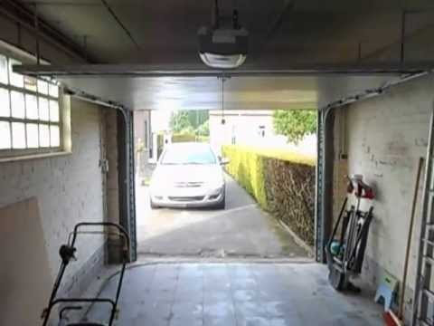 porte de garage mod paris 2013 youtube. Black Bedroom Furniture Sets. Home Design Ideas