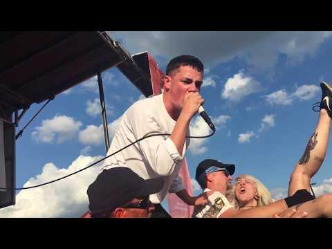 """Boston Manor - """"Laika"""" Live at Vans Warped Tour (Camden, NJ) 7/7/17"""