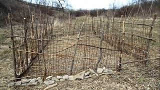 Making a Primitive Wattle Weave Garden Fence with Natural Materials
