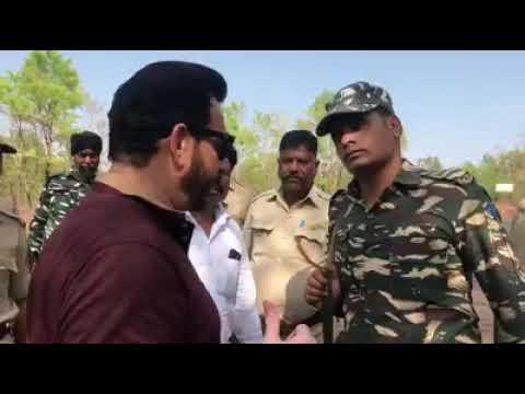 Today Karnataka Sidaramaiyah Legal goons stops AIMIM MLA Waris Pathan at Karnataka border.