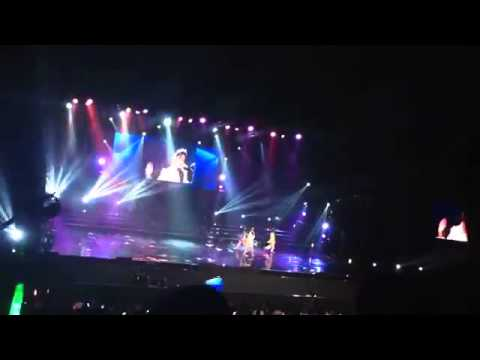 JKT48 - Pajama Drive (Shania,Sendy,Ayana ) Live In Concert Tennis Indoor Senayan