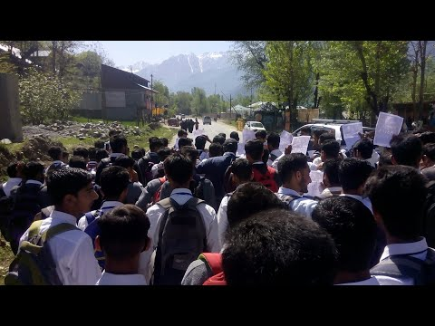 Students of Boys higher secondary School Kangan protest Students marched to Degree College Kangan