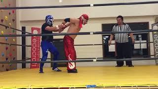 尼崎プロレス AWF 第1回道場マッチ 第3試合 マスク・ド・ガサキvsシニアキッド(正面から)