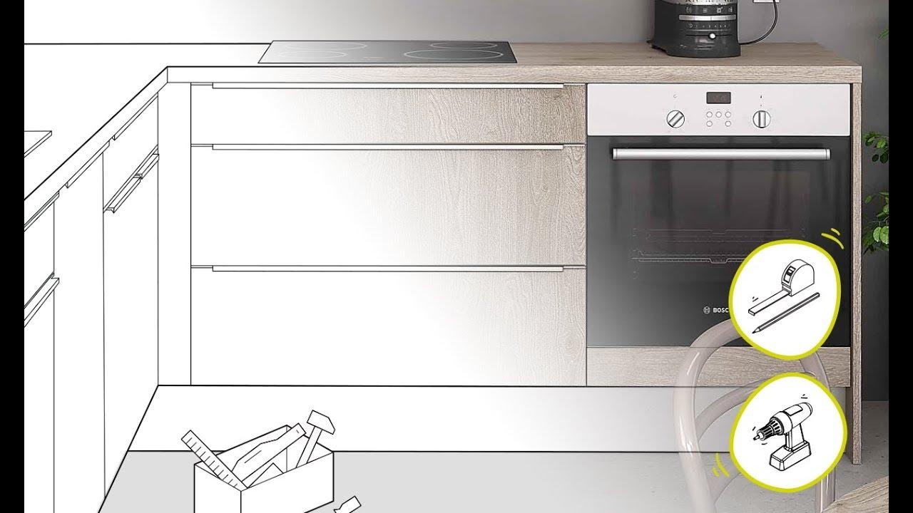 cuisine equipee poser un meuble bas sous cuisson en video