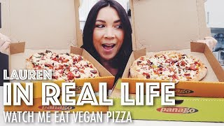 WATCH ME EAT VEGAN PIZZA // MUKBANG // MUKBANG IS WEIRD, LA MOVE, COOKBOOK #2 | Lauren In Real Life