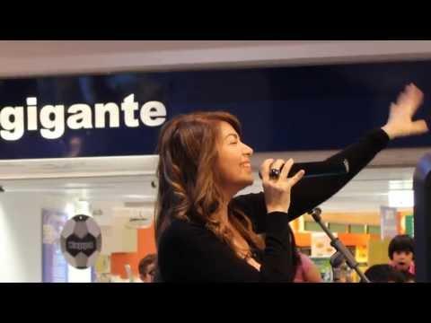 cristina d' avena - kiss me licia LIVE @ il gigante centro commerciale di Cinisello Balsamo