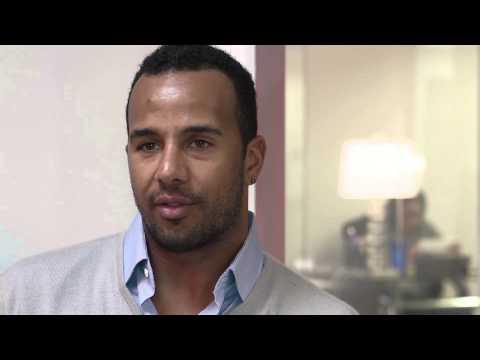 NY Yankees Outfielder Chris Dickerson talks shop w/Kofi
