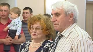 Бриллиантовую свадьбу отметили супруги Валентина и Валентин Бородкины