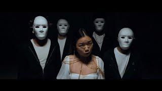 Смотреть клип Tiffany Day - Pretend