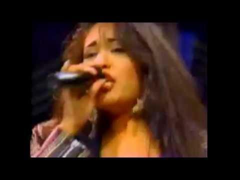 Selena - Bidi Bidi Bom Bom (Tejano Music Awards 1994 - Audio & Video Remastered)