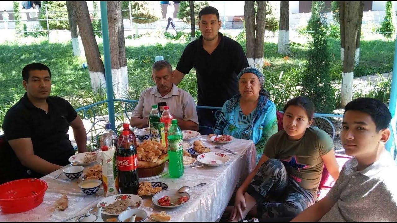 Узбекский плов. Семейный плов. Как готовят плов в узбекских семьях. Мужики готовят