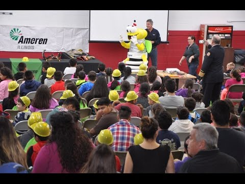 Kids learn about electric safety in English & Spanish at Fairmont City Fire Dept. open house