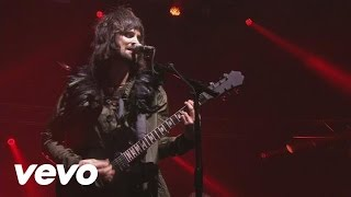 Kasabian - Velociraptor! (NYE Re:Wired at The O2)