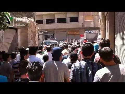 المظاهرة تجوب حارات الحي بأعداد كبيرة 2012/8/24 دمشق جوبر/e