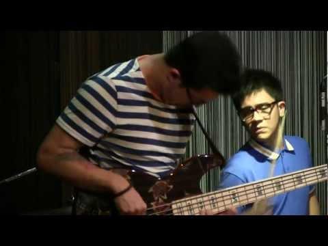 Dennis Junio & Rafi The Beat ft. Matthew Sayersz - Just Friend @ Mostly Jazz 02/06/12 [HD]